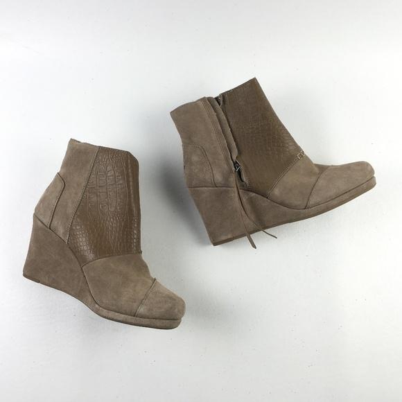 03c9e97d4b8 Toms Desert Taupe Shoes E0413494